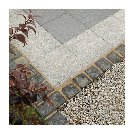 Paving stones and gravel