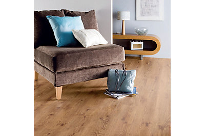 B&Q Value Country Oak Plank Effect Laminate Flooring 2.5 m²