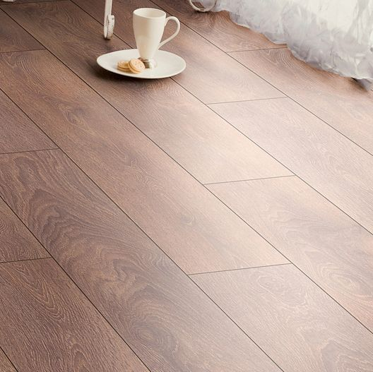 Amadeo Natural Shire Oak Effect Laminate Flooring