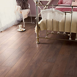 Amadeo Shire Oak Effect Laminate Flooring 2.22 m²