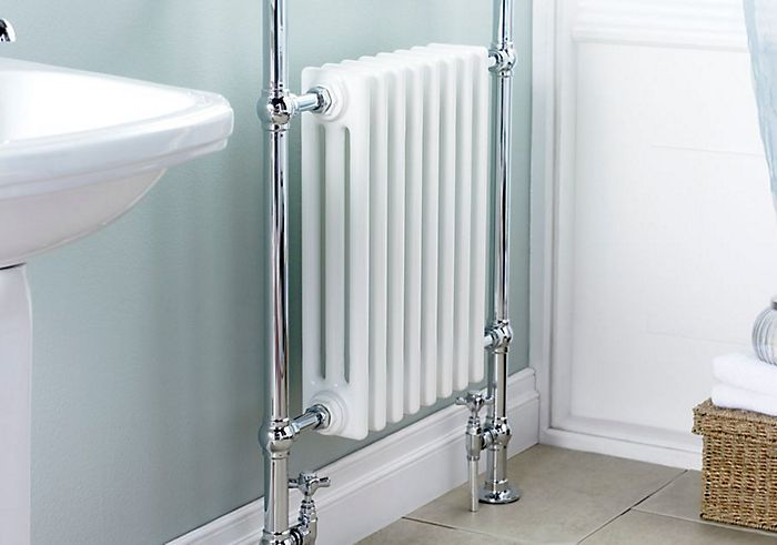 Traditional style towel warmer
