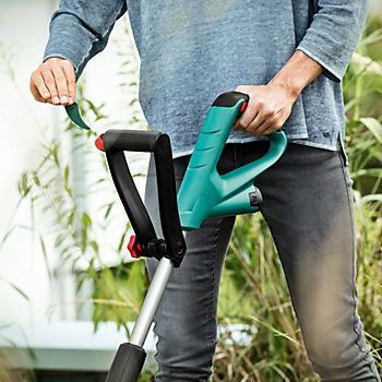 Bosch grass trimmer with soft grip telescopic handle