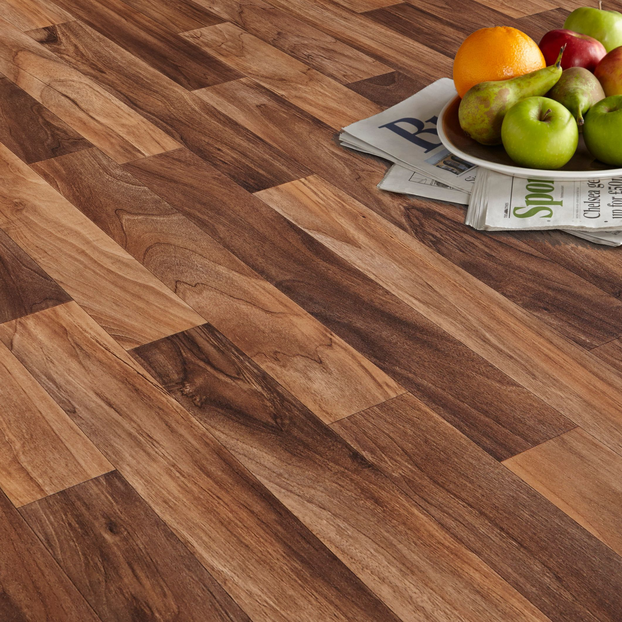 Arezzo Walnut Effect Matt Vinyl Flooring 4 mu00b2 : Departments : DIY at Bu0026Q