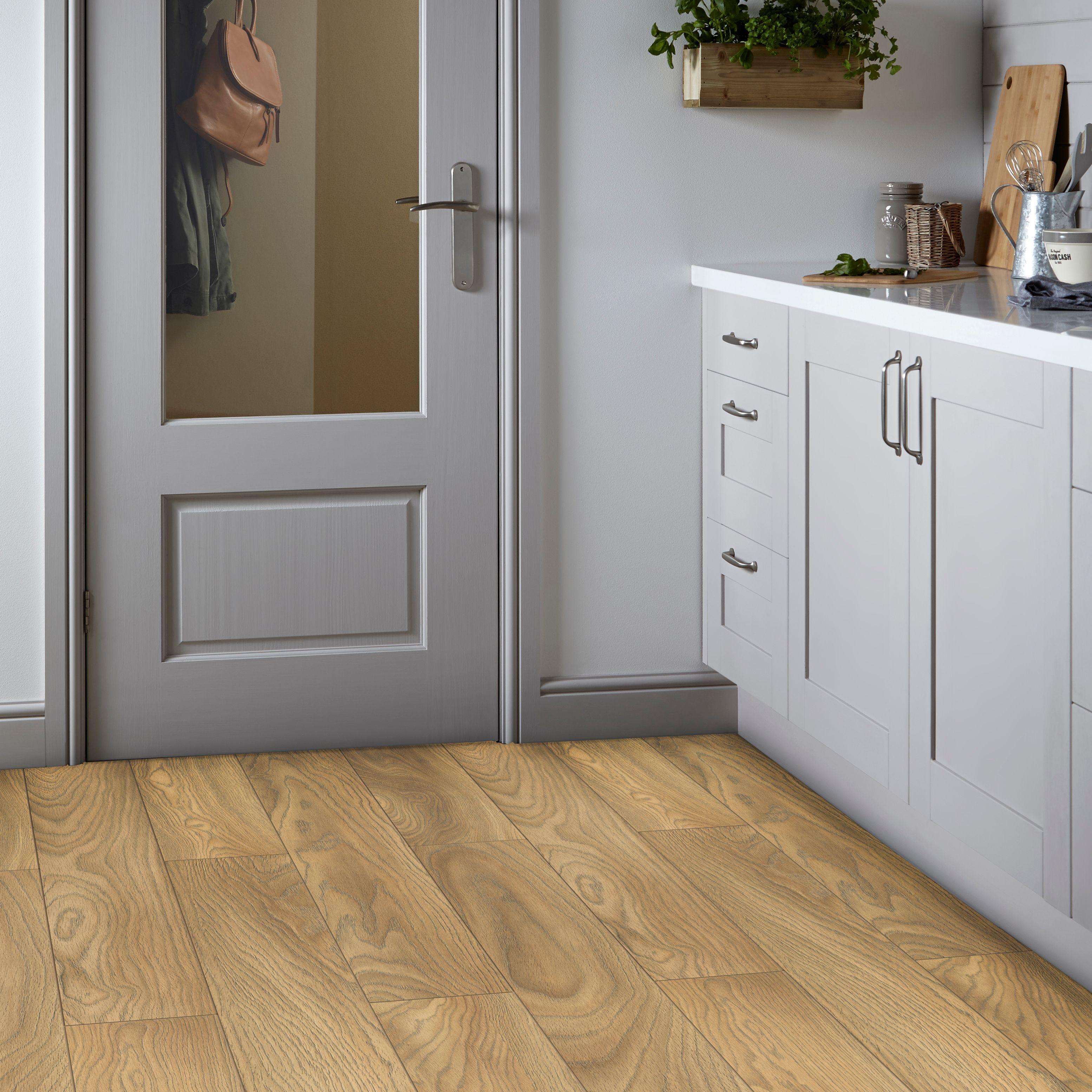 Comlaminate Flooring Packs : ... Sirente Golden Oak Effect Laminate Flooring 1.74m² Pack OUR SALE ITEM
