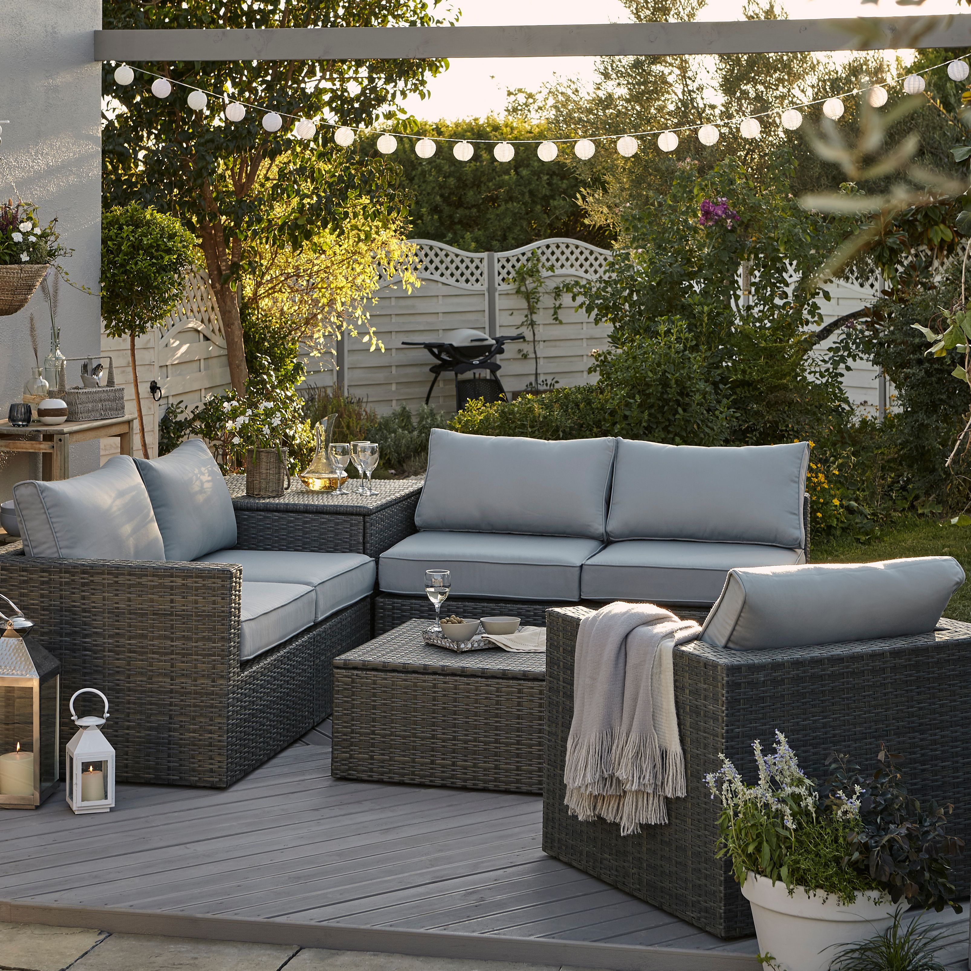 Garden Furniture Buying Guide Help Amp Ideas Diy At B Amp Q