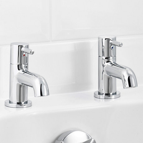 Bath Pillar Taps