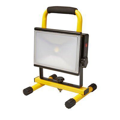 Portable Outdoor 5w Led Rechargeable Work Garage Flood: Diall Rechargeable Work Light 23W 220-240 V