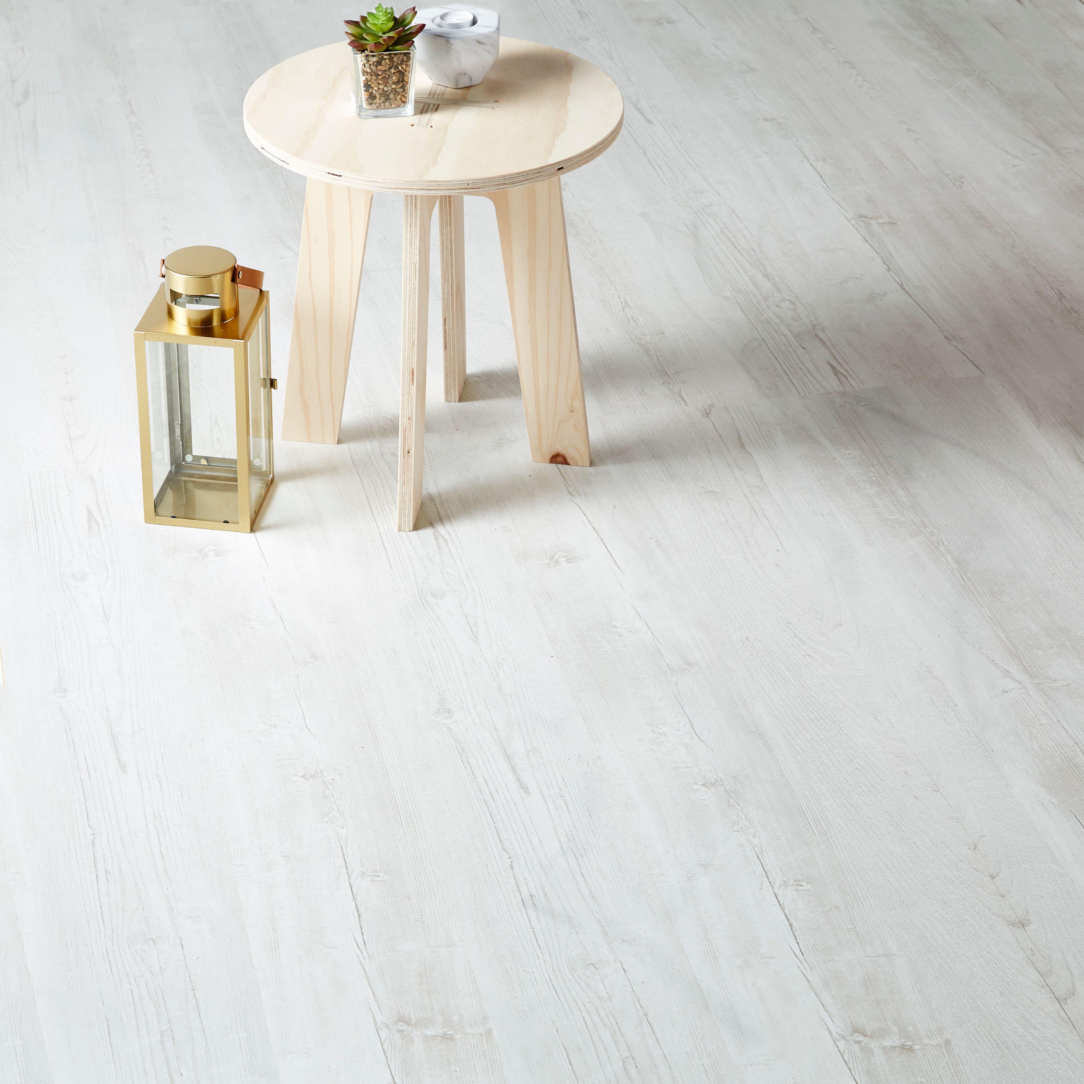 macquarie white pine effect laminate flooring m. Black Bedroom Furniture Sets. Home Design Ideas