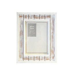 White Distressed Wooden Picture Frame (H)256mm x (W)203mm