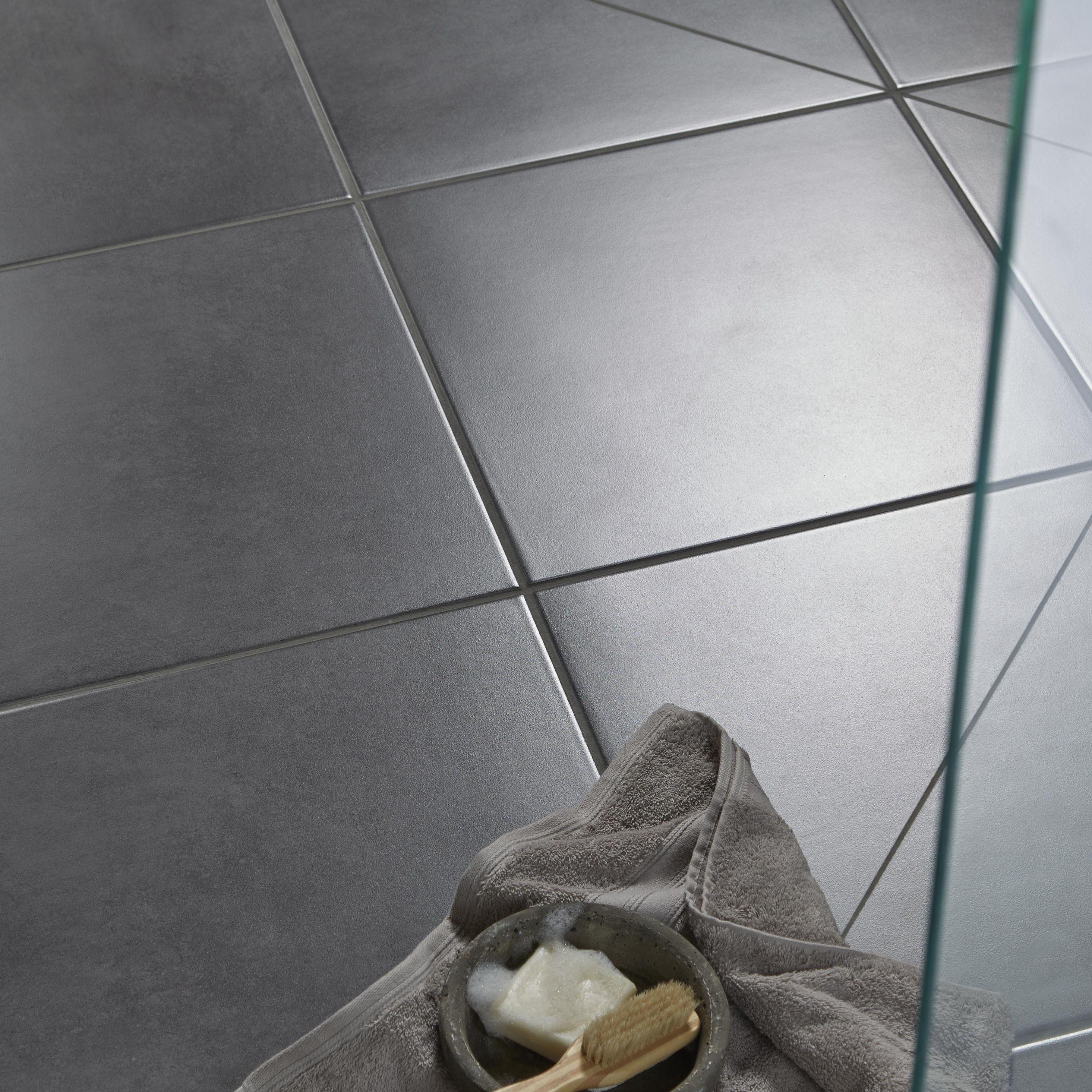 Washington Grey Stone Effect Porcelain Floor Tile, Pack of 5, (L)450mm (W)450mm