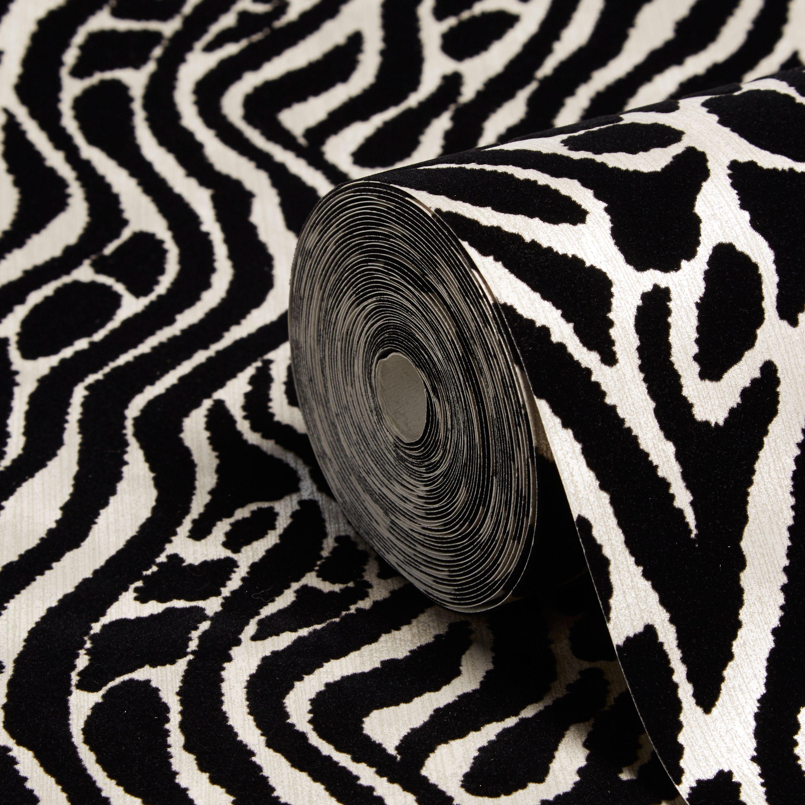 Zebra patterned wallpaper - Graham Brown Julien Macdonald Black Silver Animal Print Wallpaper