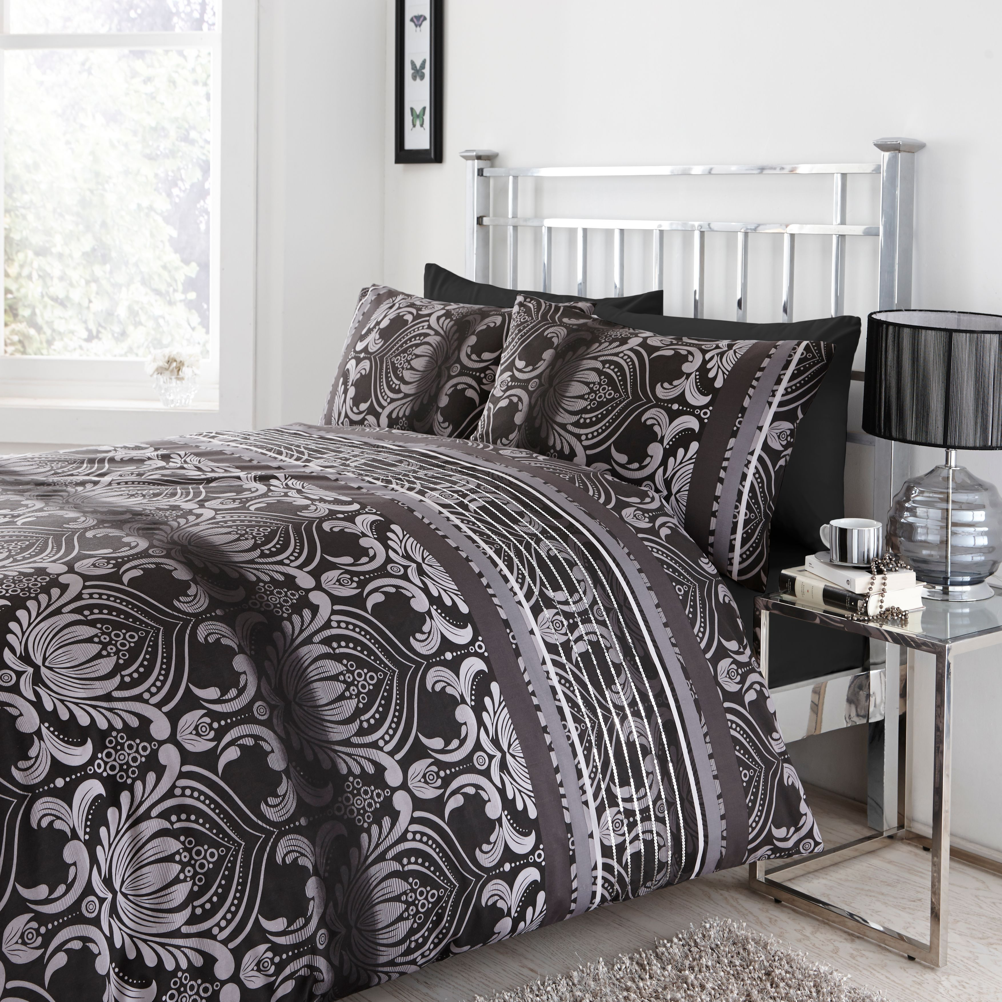 Chartwell Dramatic Damask Black Kingsize Bed Cover Set