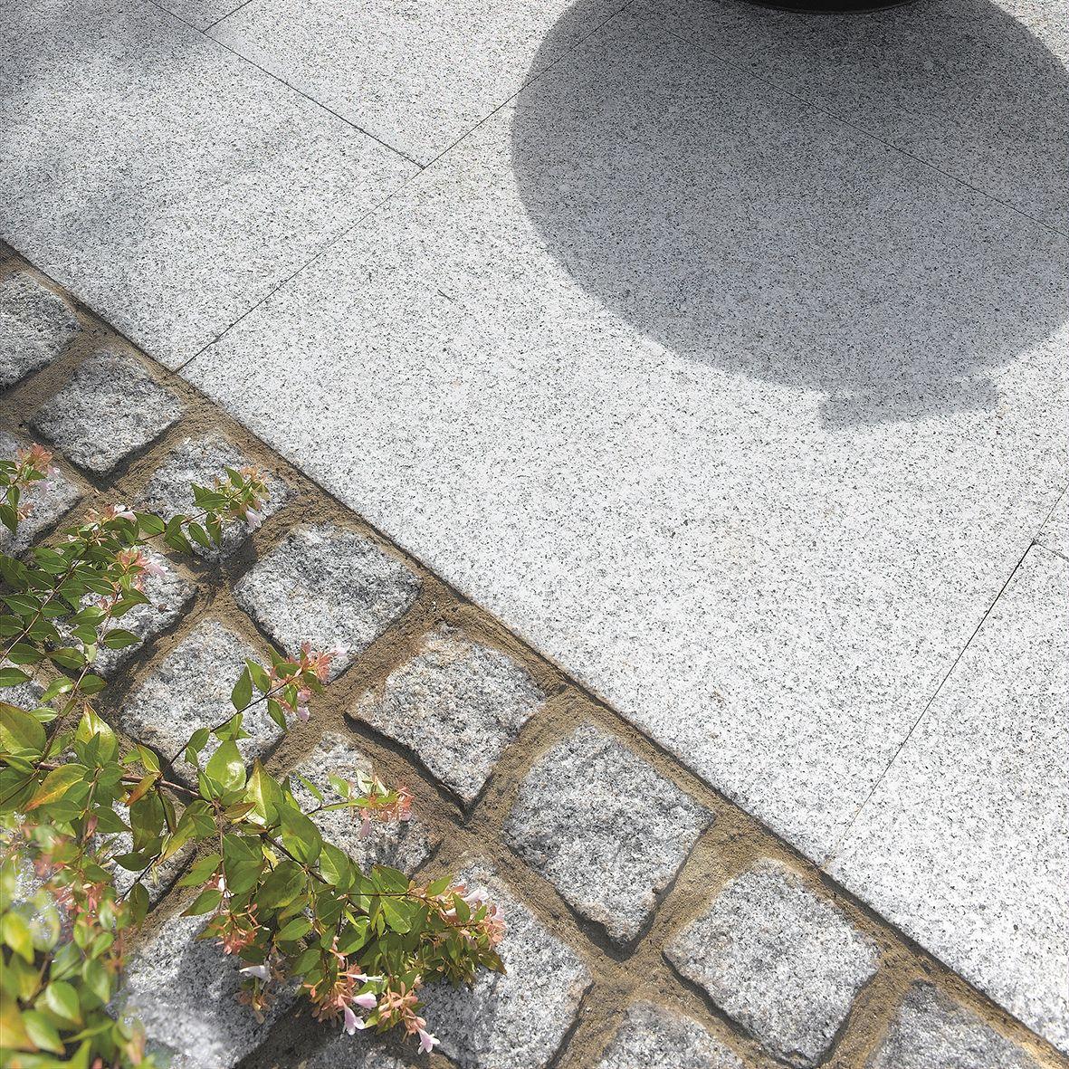 Dark Grey Natural Granite Setts (L)100 (W)100mm Pack