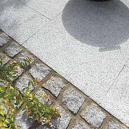 Dark Grey Natural Granite Setts (L)100 (W)100mm Pack