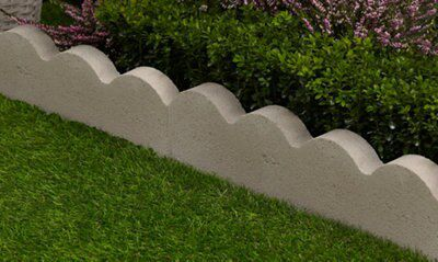 Scalloped Paving Edging Grey L 600mm H 150mm T 50mm