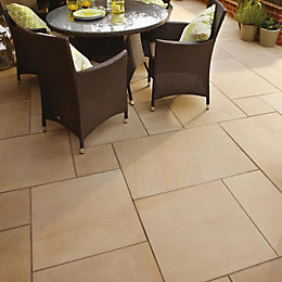 Ivory Sawn Natural Sandstone Mixed Size Paving Pack
