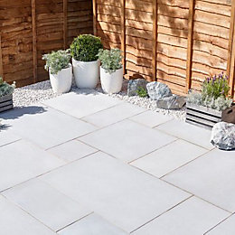 Silver Grey Sawn Natural Sandstone Mixed Size Paving