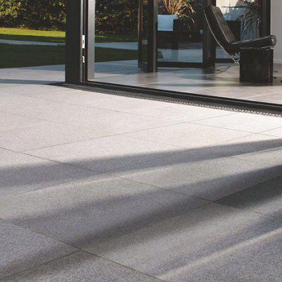 Grey Granite Slabs : Silver grey natural granite paving slab l mm w