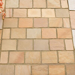 Sunset Buff Natural Sandstone Paving Setts (L)100mm (W)100mm,