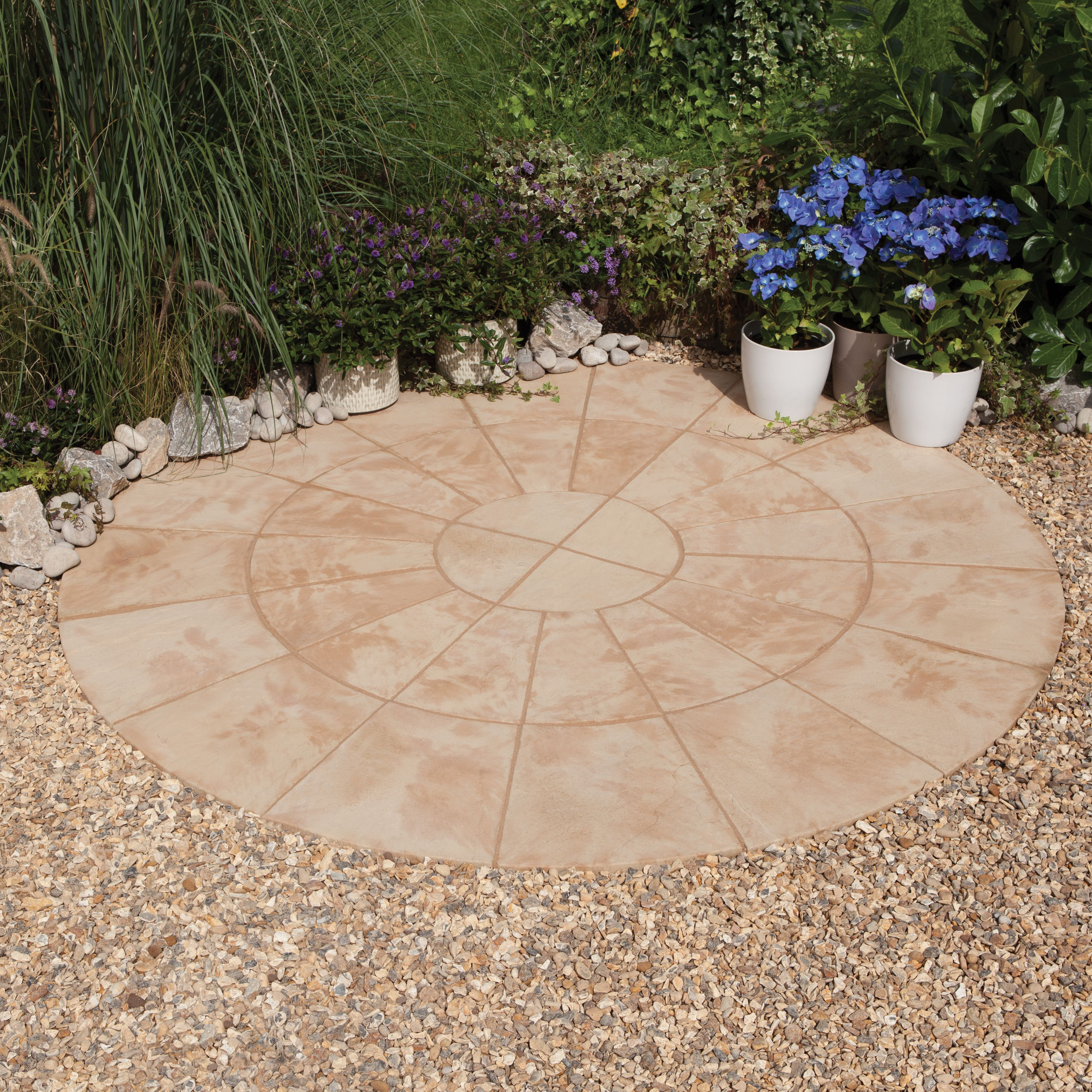 autumn cotswold old riven circle paving pack2 4m. Black Bedroom Furniture Sets. Home Design Ideas