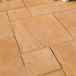 Autumn Gold Old Riven Mixed Size Paving Pack,