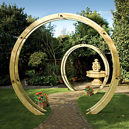 Grange Freestanding Flower Circle Wooden Pergola