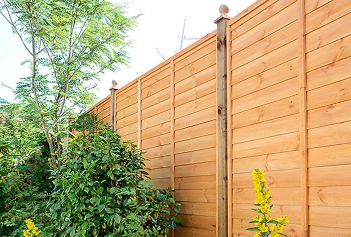 Primo overlap fence panel