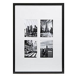 New York Black & White Framed Print (W)540mm