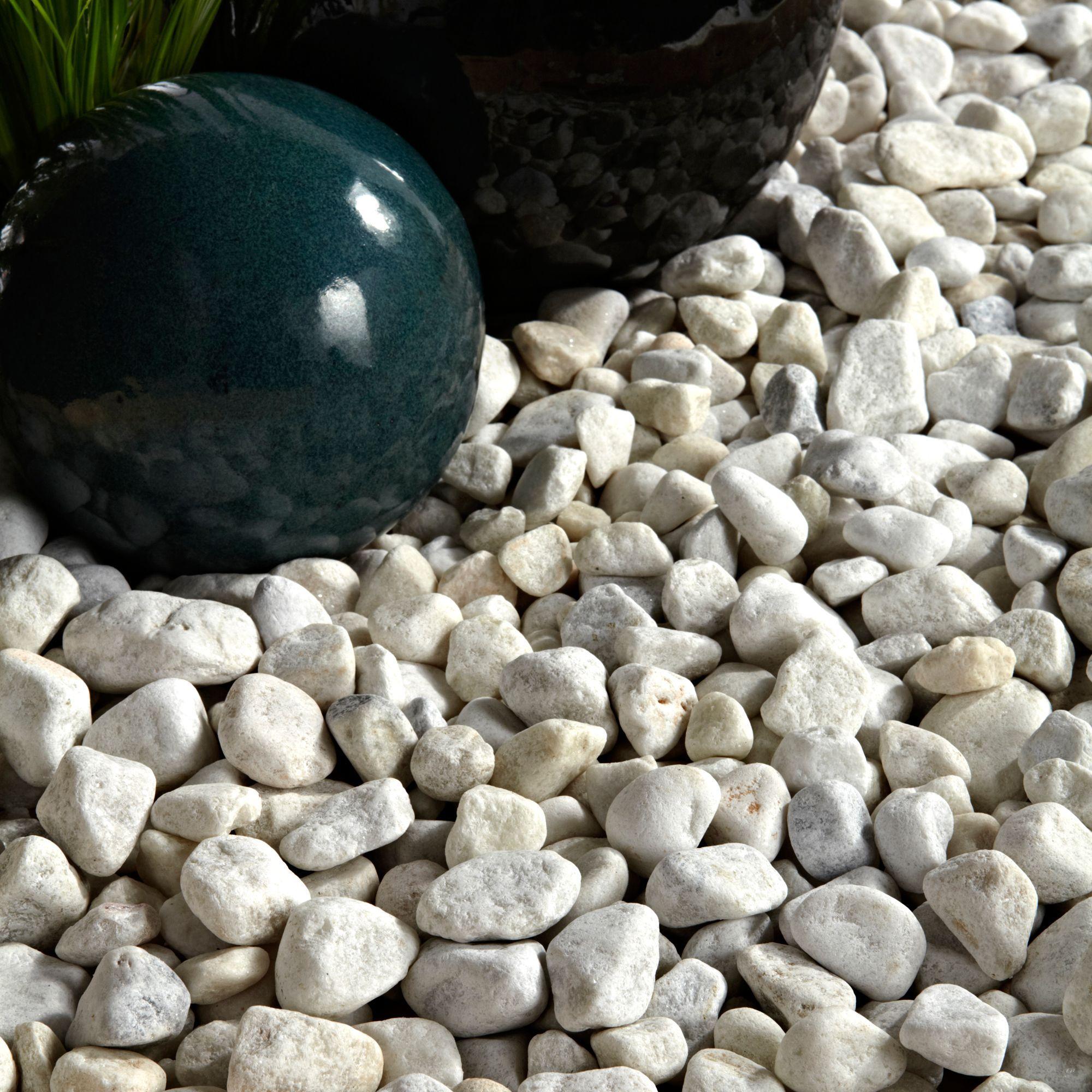 Backyard Pebbles: White Pebbles 790kg