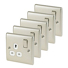 Nexus 13A Pearl Nickel Switched Single Socket, Pack