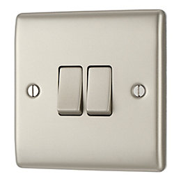British General 10A 2-Way Double Pearl Nickel Light