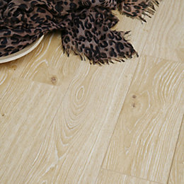 Dolce Charleston Oak Effect Laminate Flooring 0.04 m²