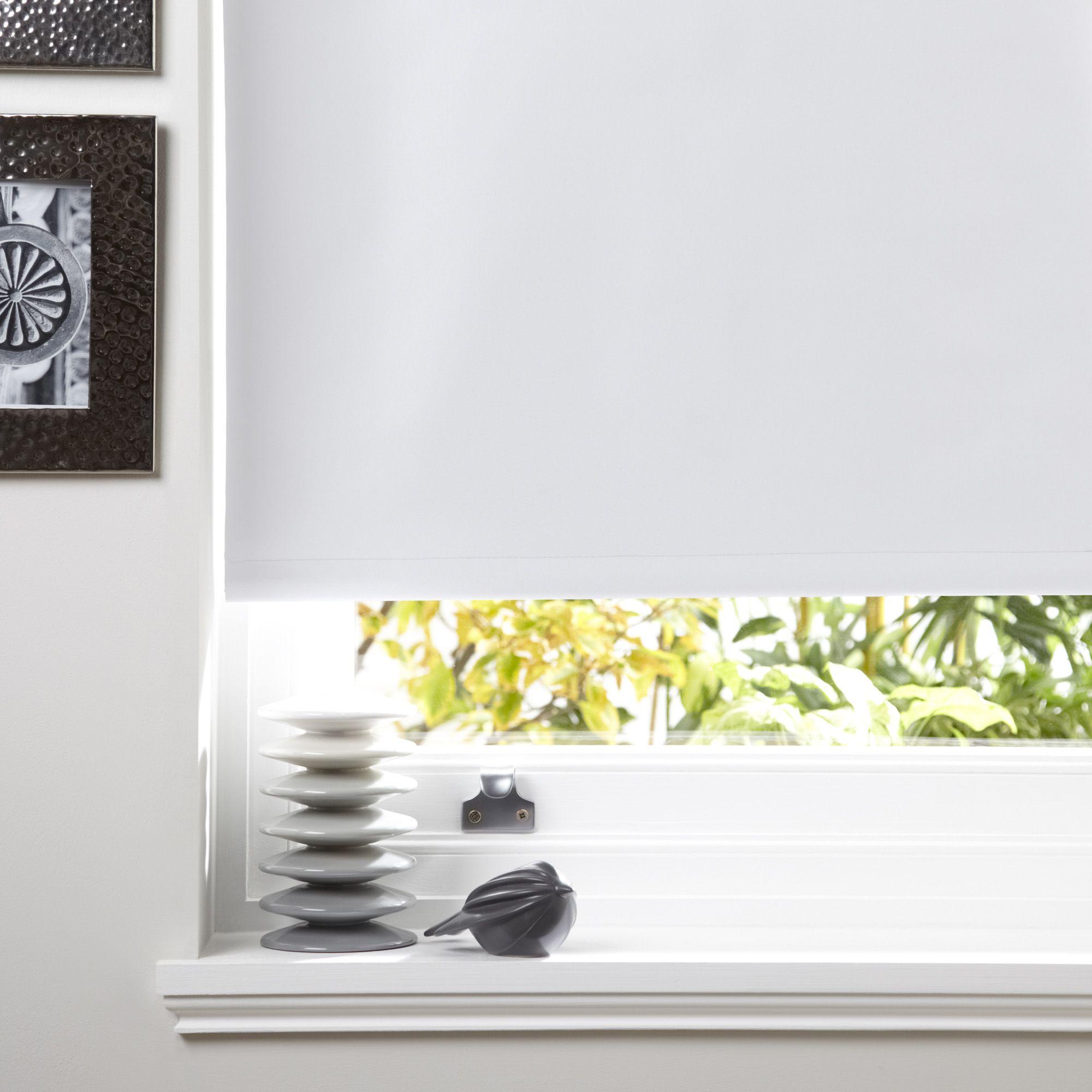 B Q Venetian Blinds: Colours Kona Corded White Roller Blind (L)160 Cm (W)120 Cm