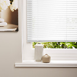 Colours Volto White Venetian Blind (W)120cm (L)160cm