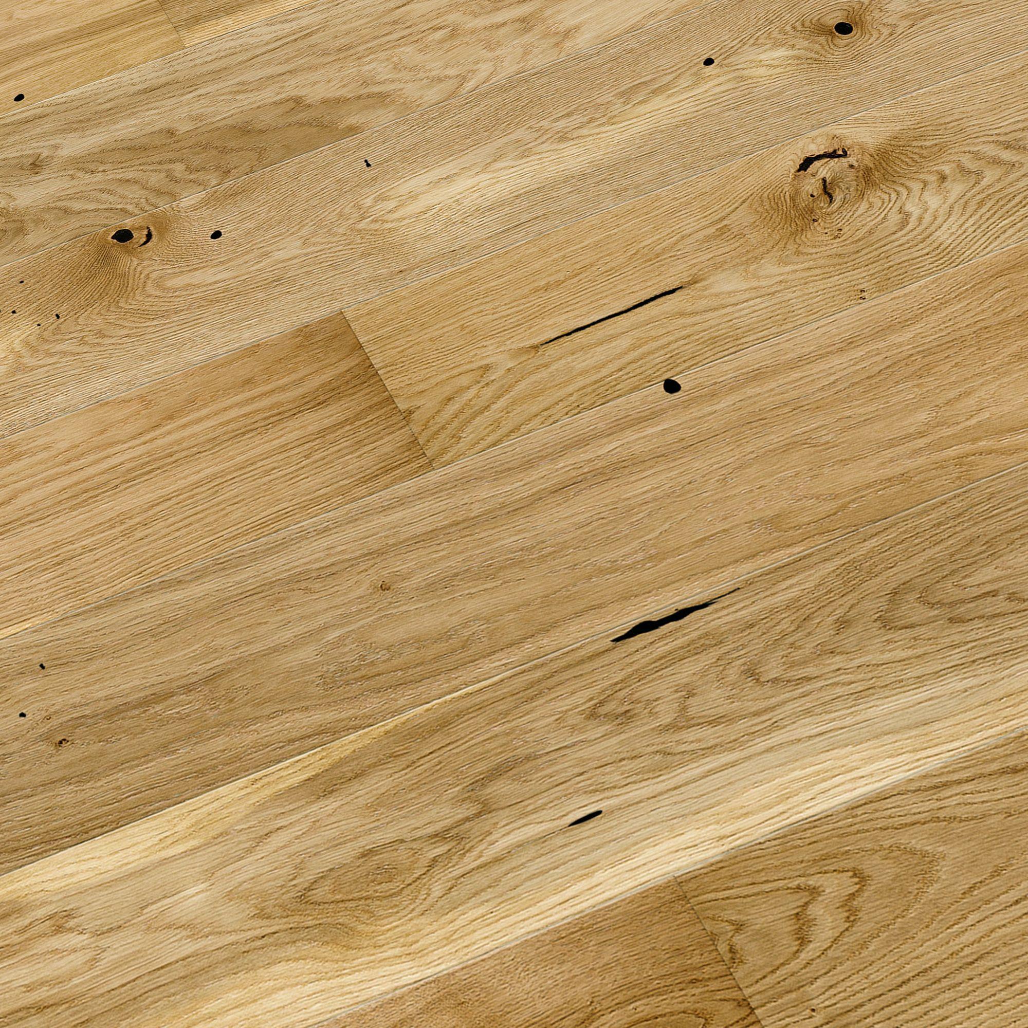 Colours Chamili Oak Effect Wood Top Layer Flooring 1.37m² Pack