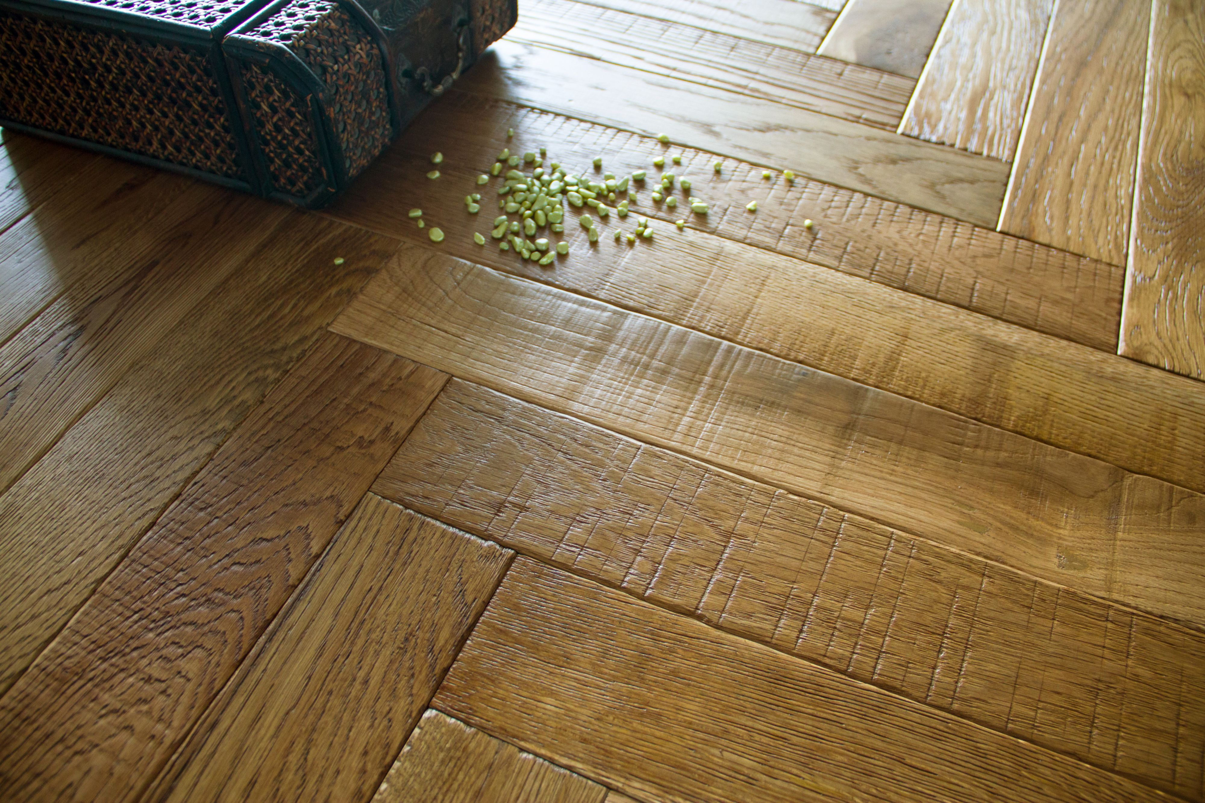 Bq Kitchen Flooring Vindemia Herringbone Natural Solid Oak Flooring 086 Ma2 Pack