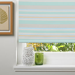 Colours Anzia Corded Chlorophyll Blackout Roller Blind (L)160cm