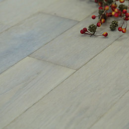 Symphonia Smoked White Natural Solid Oak Flooring Sample