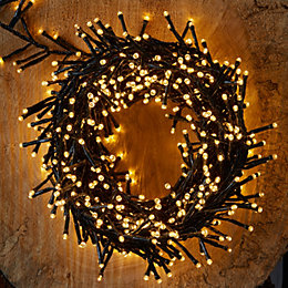 2000 Warm White LED Cluster String Lights