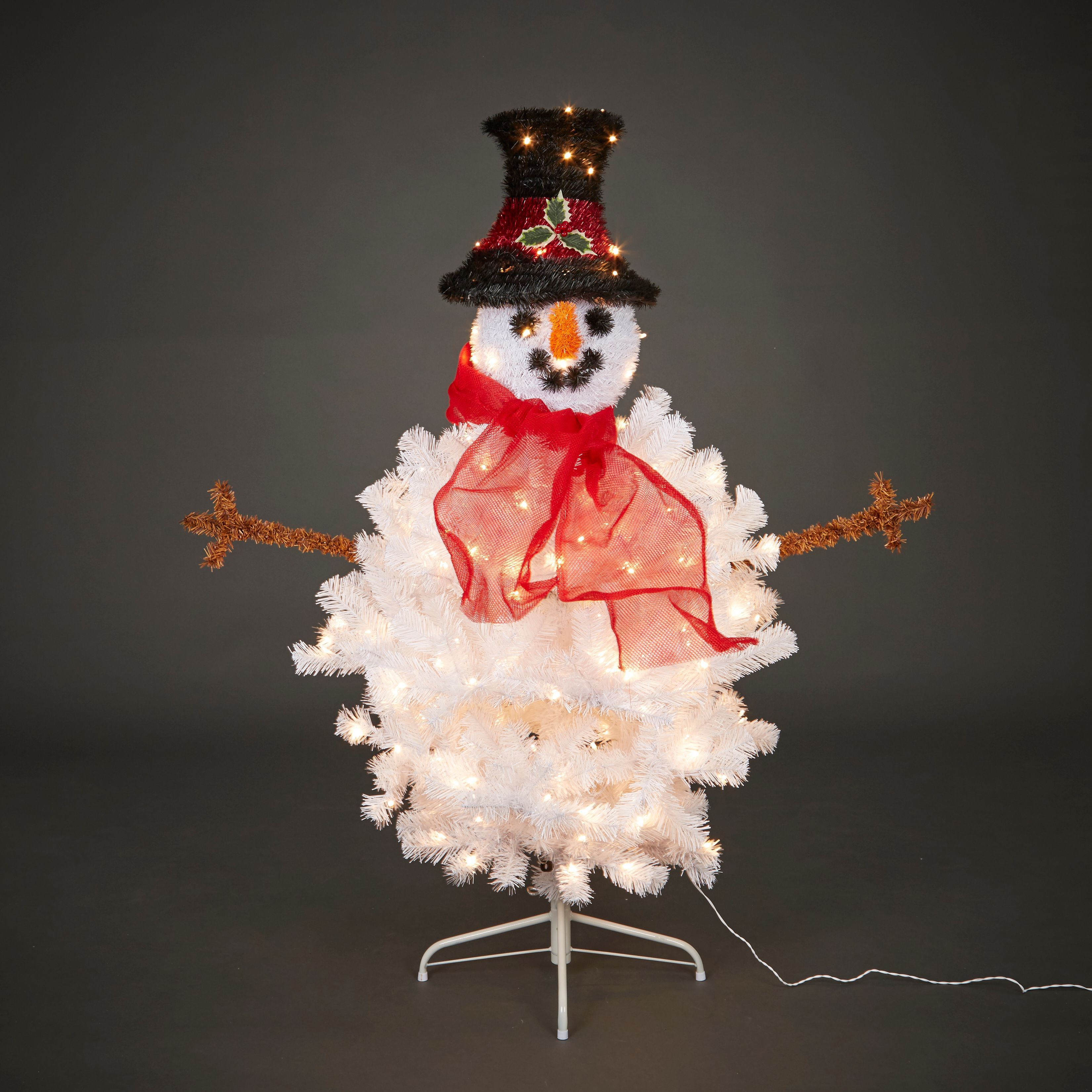 Decorate Christmas Tree Like Snowman: 4ft 6In Snowman Tree White Pre-Lit Christmas Tree