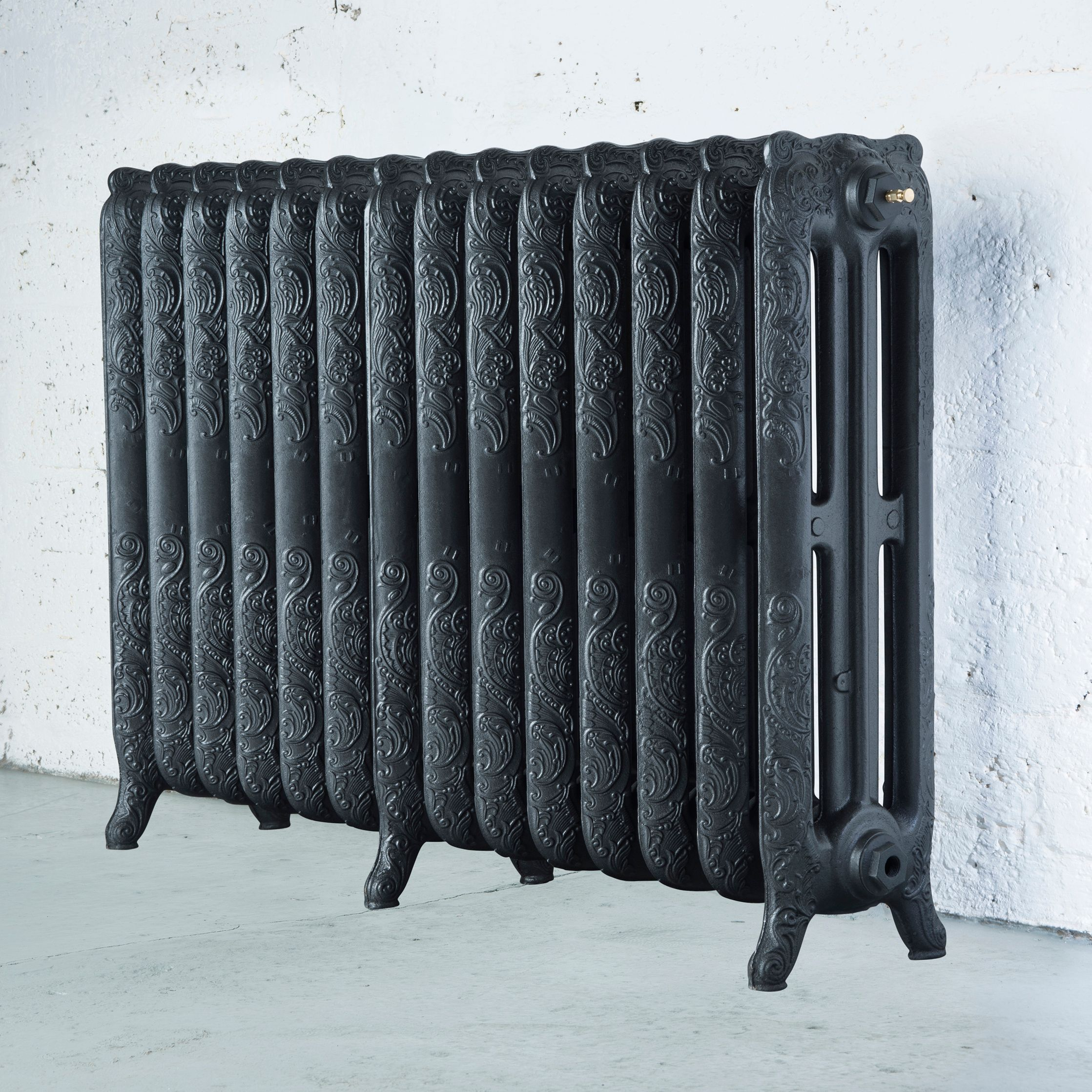 Arroll Montmartre 3 Column Radiator, Pewter (W)1154 mm