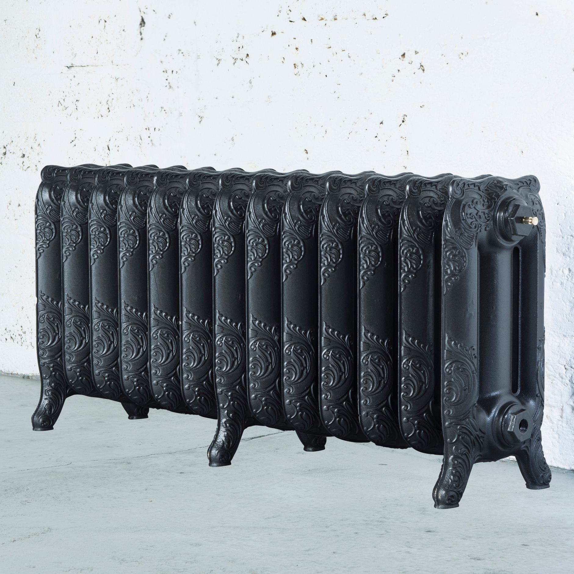 Arroll Montmartre 3 Column Radiator, Anthracite (W)1074 mm