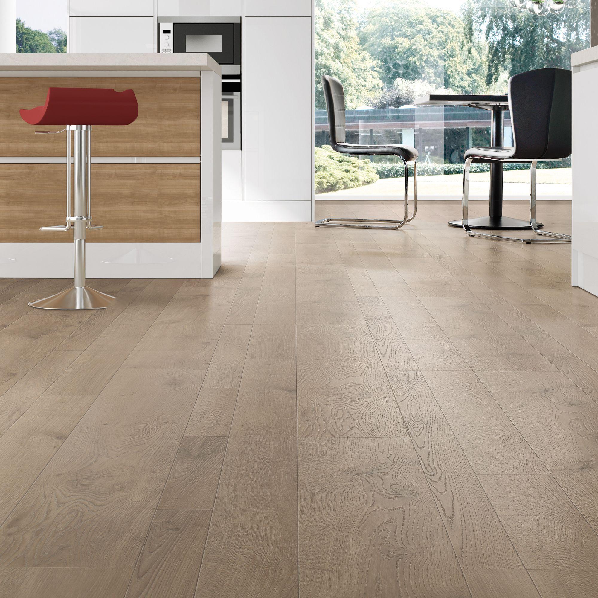 Coda light cream oak oak effect laminate flooring m for Light laminate flooring