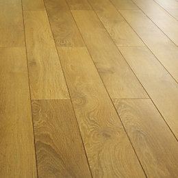 Collaris Natural Harlech Oak Effect Laminate Flooring 1.9m²