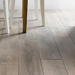 Amadeo Traditional Oak Effect Laminate Flooring 2.22 m²