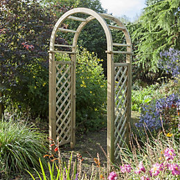 Chiltern Wooden Arch with Assembly Service