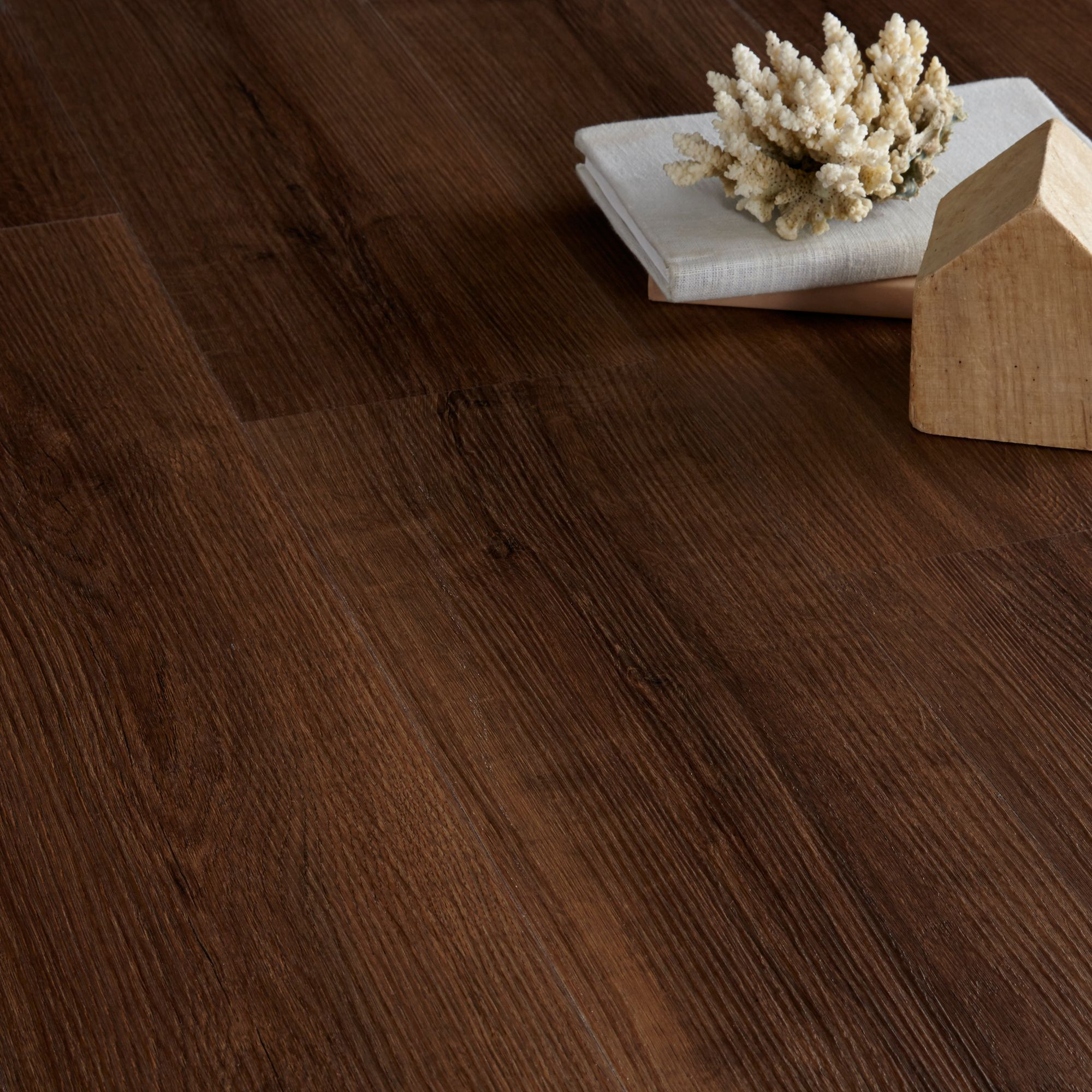 Colours oak effect luxury vinyl click flooring m for Click flooring
