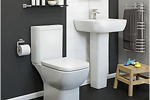 Image of Santoro bathroom suite