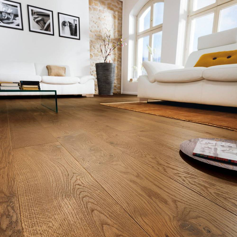 Colours Monito Natural Oak Effect Wood Top Layer Flooring 1.69 Pack