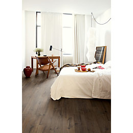 Aquanto Classic Oak Brown Natural Look Laminate Flooring